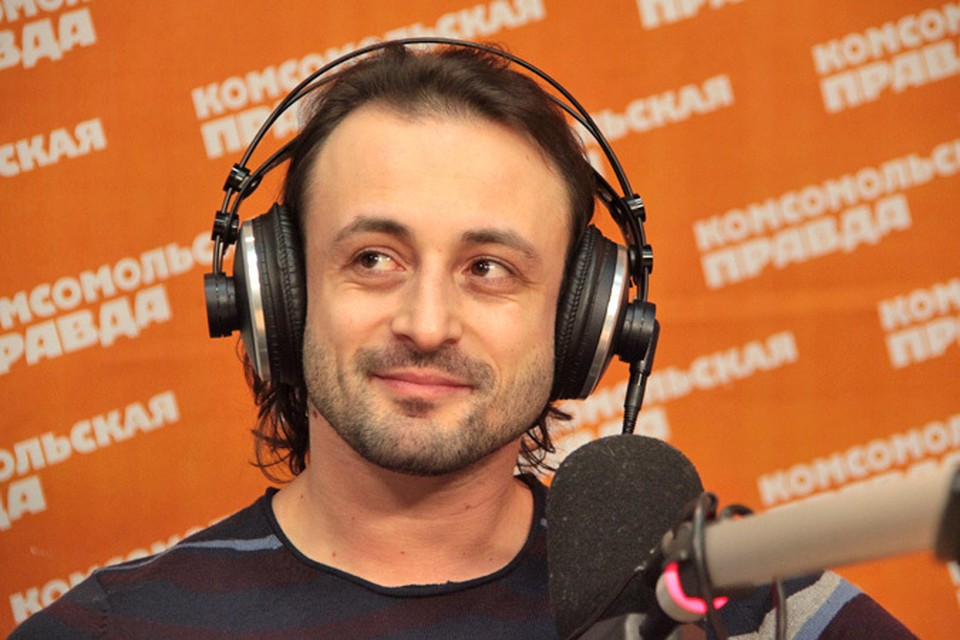 """Илья Авербух отмечает 18 декабря свой день рождения. А на этом фото он в гостях у Радио """"Комсомольская правда""""."""