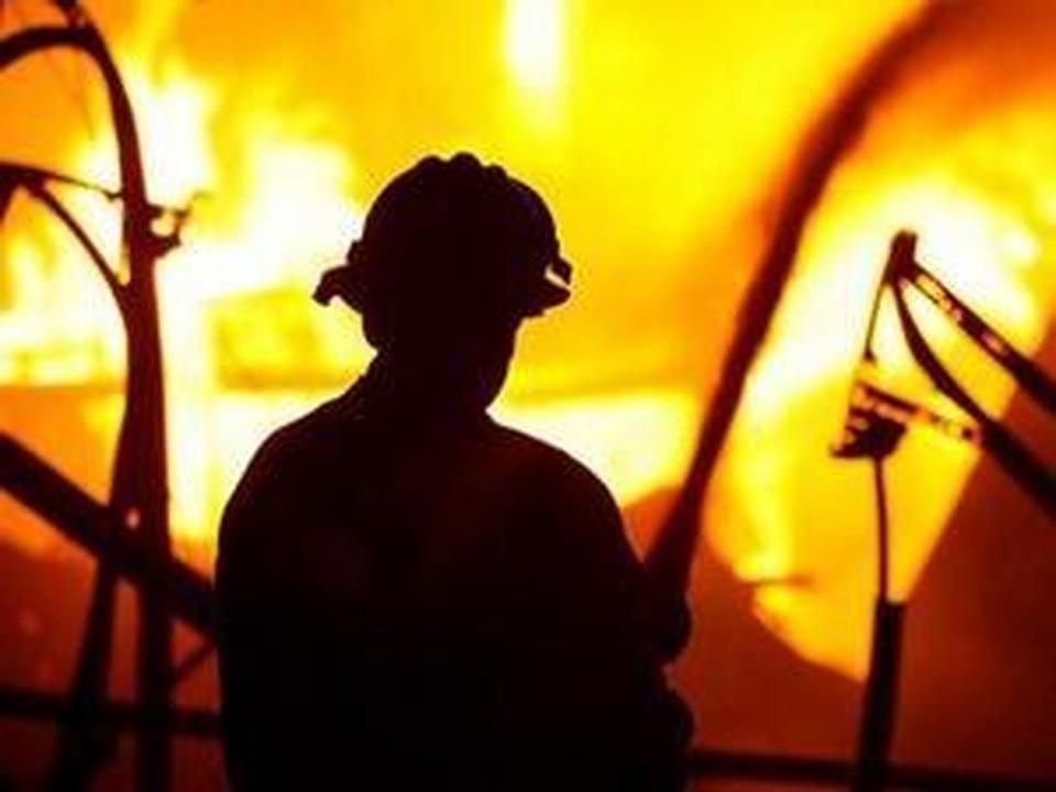 Пожар тушили 140 человек