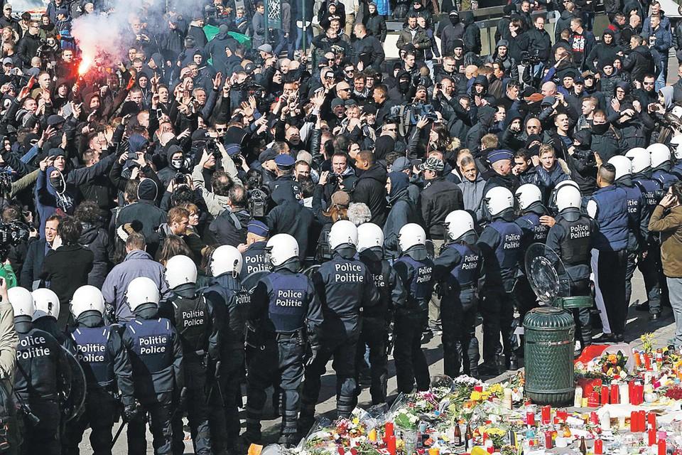 Вчера около 450 человек (их причисляют к ультраправым организациям) вышли на улицы Брюсселя, протестуя против разгула терроризма в стране. Полиция разогнала их, применив водометы.