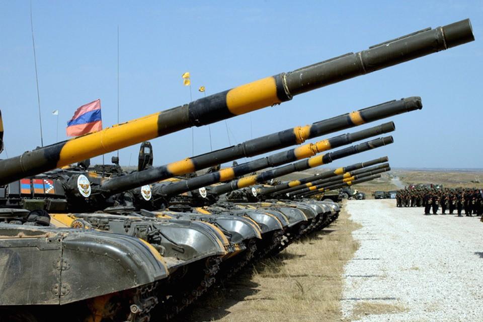 Вооруженные силы самопровозглашенной Нагорно-Карабахской республики на учениях