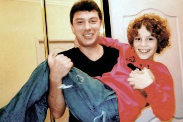 Битва за наследство Немцова: В ход пошли интимные откровения и семейные фотографии