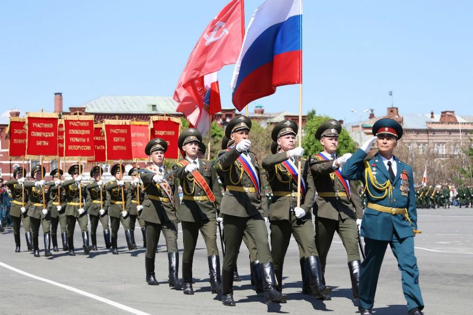Военный парад в Саратове