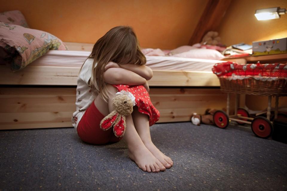 """""""Изнасилование – что в пять лет, что в восемнадцать – это когда между тобой и другими людьми вырастает стена из бронированного стекла"""""""