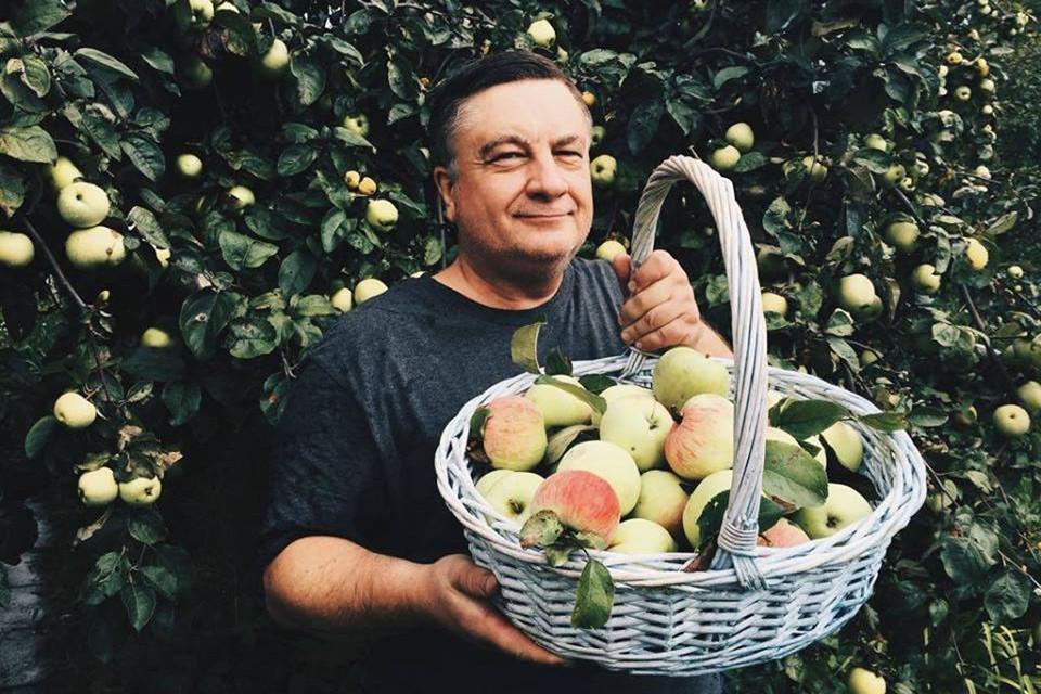 Андрей Туманов: - За последние 20 лет я ни разу не пробовал импортных яблок! Впрочем, и до этого не пробовал...