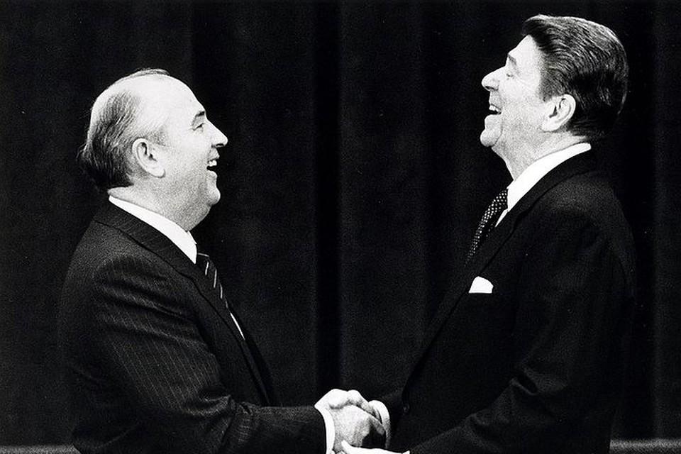 В декабре 1987-го Горбачев и Рейган подписали Договор между СССР и США о ликвидации ракет средней и малой дальности
