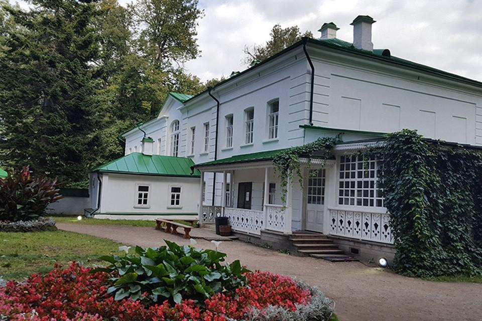 Фестиваль Tolstoy Weekend стартовал 9 сентября в День рождения писателя в Ясной Поляне.