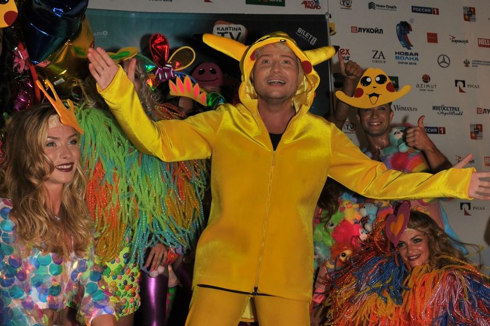 Николай Басков, известный своей любовью к ярким костюмам, перевоплотился в Покемона Пикачу