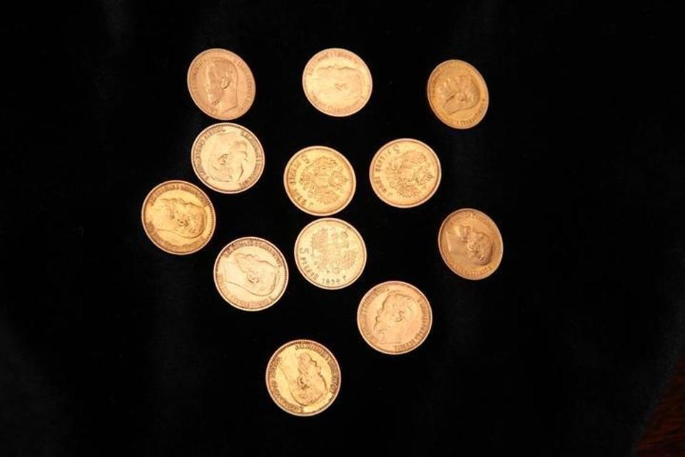 """13 золотых монет нашли строители около станции метро """"Институт культуры"""""""