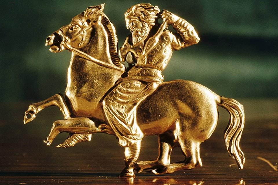 Голландские власти вернули Национальному музею Украины его артефакты, а крымское скифского золото отправил в хранилище музея Алларда Пирсона до решения суда