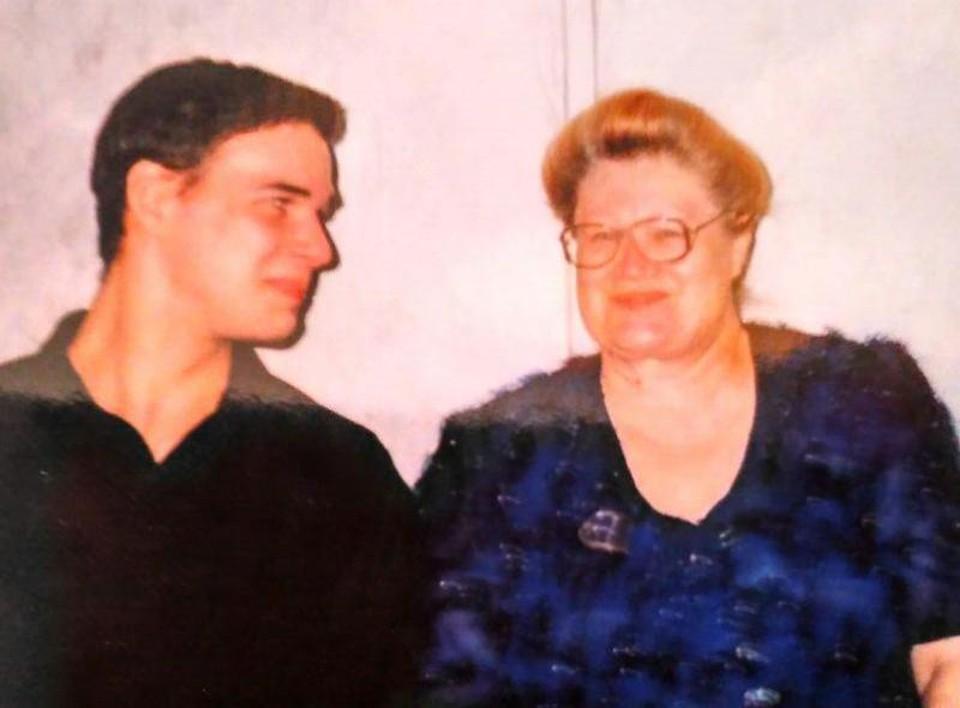 Володя Поляков и Любовь Мишурова. Фото из семейного архива.