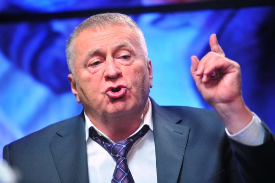 Лидер партии ЛДПР Владимир Жириновский предлагает ввести ссылку на срок до пяти лет в качестве уголовного наказания для стритрейсеров