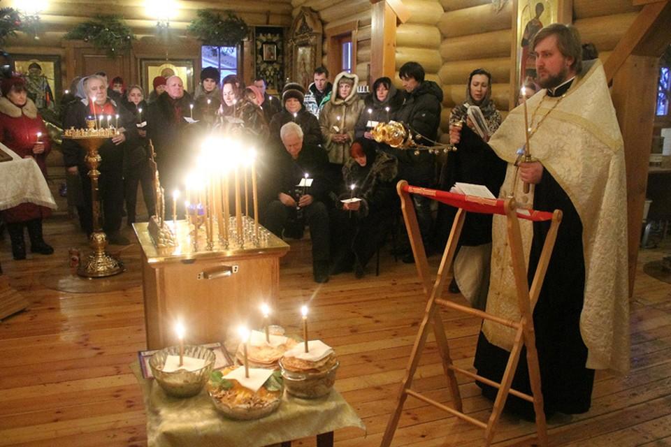 В Нижнем Новгороде отпевают тенора ансамбля им. Александрова Савельева, разбившегося под Сочи на Ту-154.