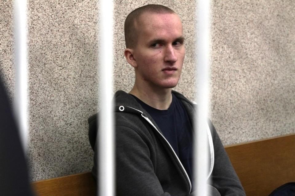 Владислава признали вменяемым. При этом пару лет назад психиатр поставил ему диагноз - умеренный депрессивный эпизод, шизоидное расстройство личности.