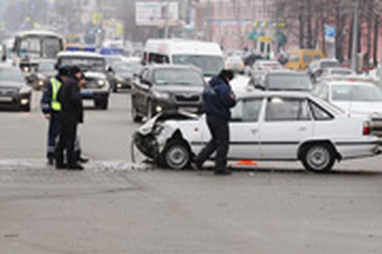 В Челябинске в результате столкновения автомобилей погиб пешеход
