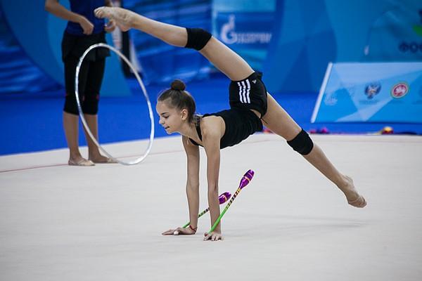 konfuzi-s-odezhdoy-gimnastki-foto