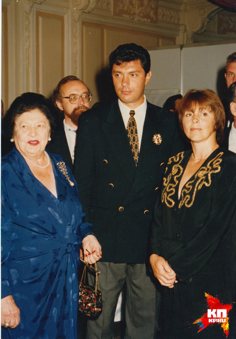 На приеме на Нижегородской ярмарке с Великой княгиней Романовой и первой женой Раисой
