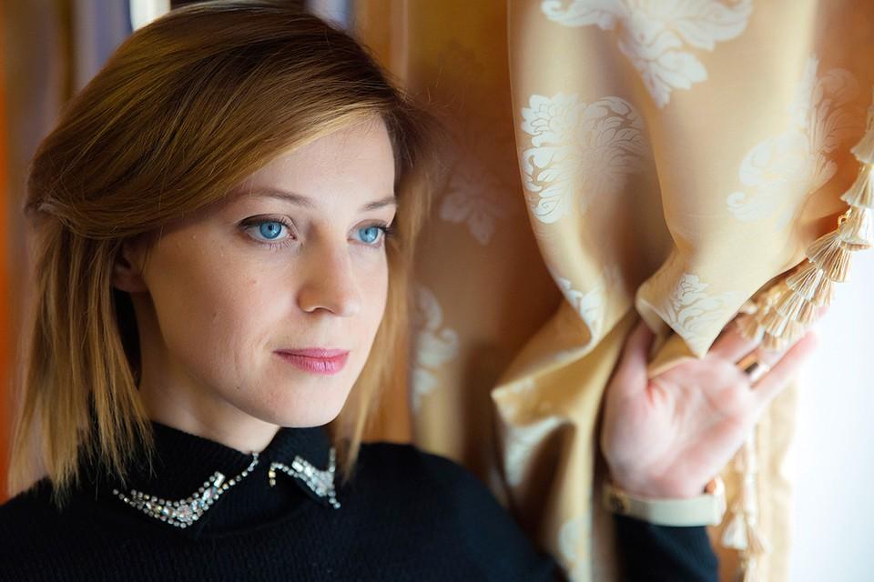 Наталья Поклонская в рабочем кабинете. Фото: Руслан Шамуков/ТАСС