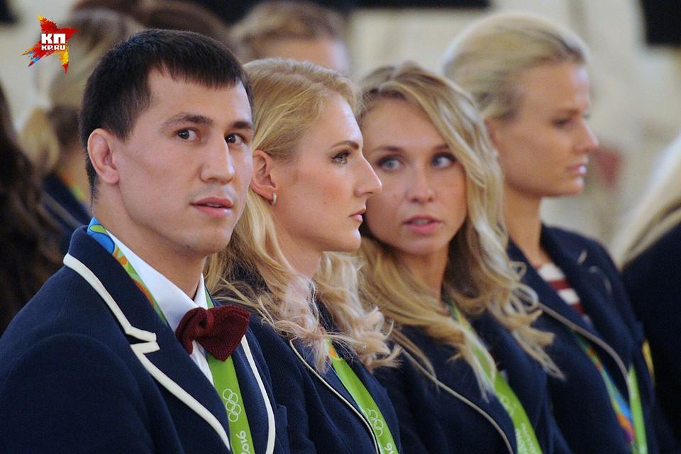 Спортсмены олимпийской сборной России перед началом встречи с президентом Путиным в Кремле.