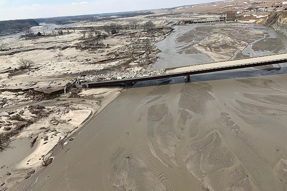 Обрушившийся на штат Небраска циклон вызвал сильнейшее наводнение