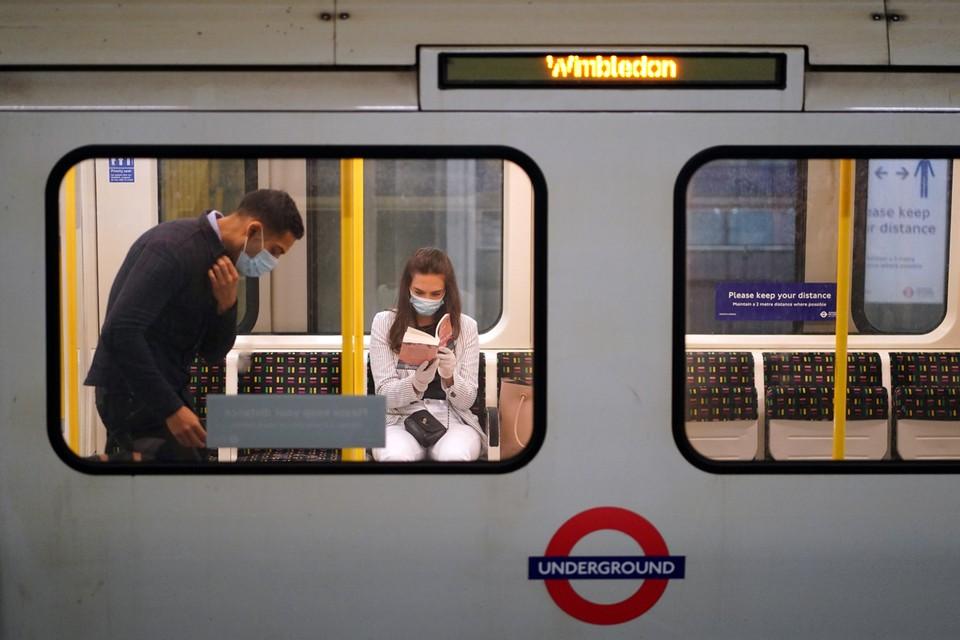 С 15 июня в Лондоне введено обязательное ношение масок в общественном транспорте