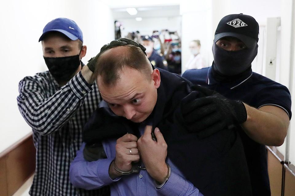 Лефортовский суд Москвы арестовал на 2 месяца журналиста Ивана Сафронова, которого задержали по делу о госизмене