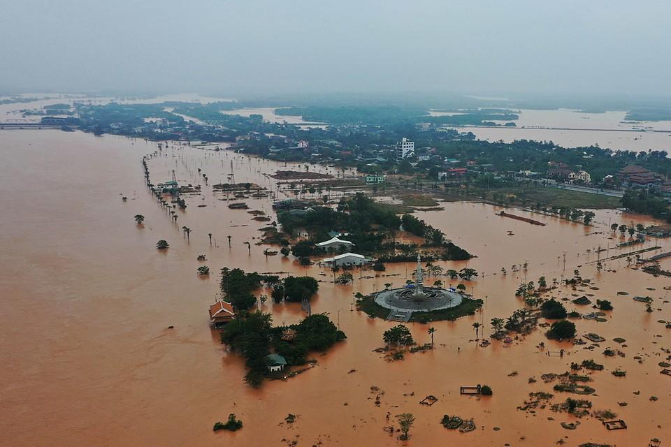 Во Вьетнаме наводнения унесли жизни 40 человек, еще 8 пропали без вести. Стихийное бедствие было вызвано сильными ливнями