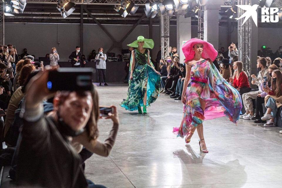 В Москве прошли первые показы Недели моды Mercedes-Benz Fashion Week Russia