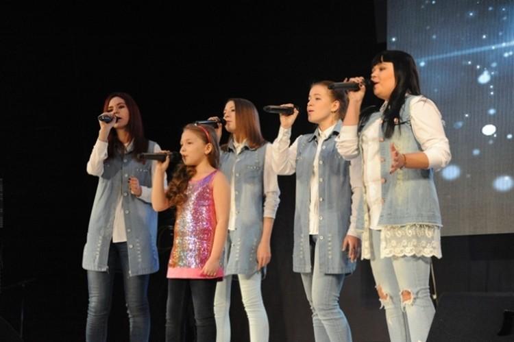Свой вокальный талант показали творческие коллективы. Фото: Пресс-служба губернатора Забайкальского края