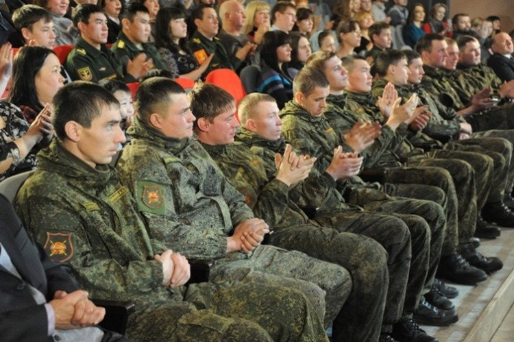 Гостями вечера были и военнослужащие. Фото: Пресс-служба губернатора Забайкальского края