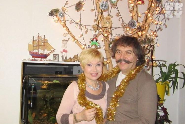 Телеведущая Елена Спиридович с мужем Юрием Бреусом. Фото: личный архив.