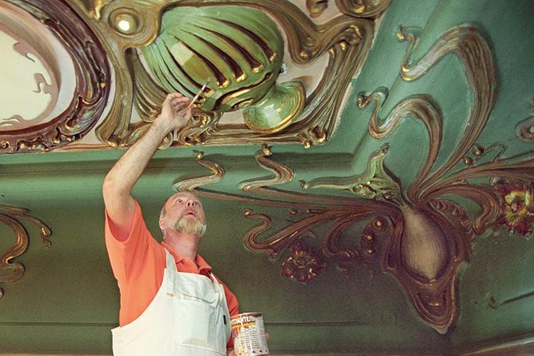 Реставрация помещения гастронома в 2003 году. Фото: Великжанин Виктор/ИТАР-ТАСС.