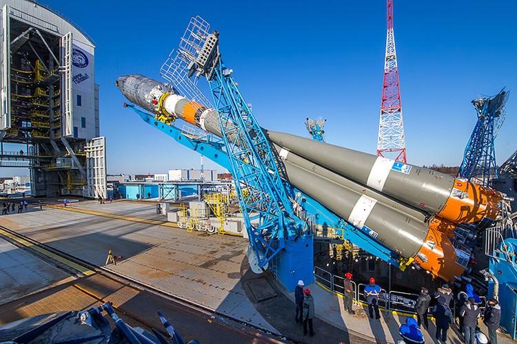 Ракета «Союз 2.1а» за несколько дней до старта. Фото: Роскосмос