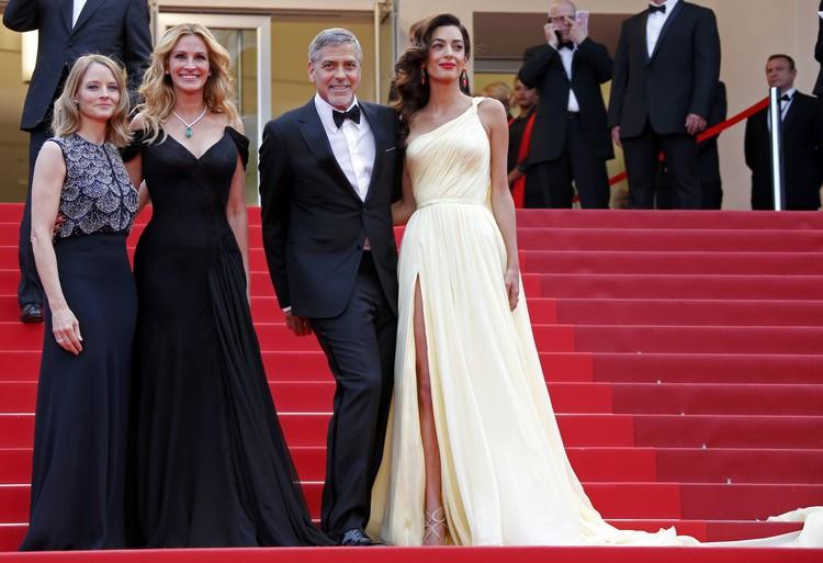 Джордж Клуни и три грации: Джоди Фостер, Джулия Робертс и Амаль Клуни.