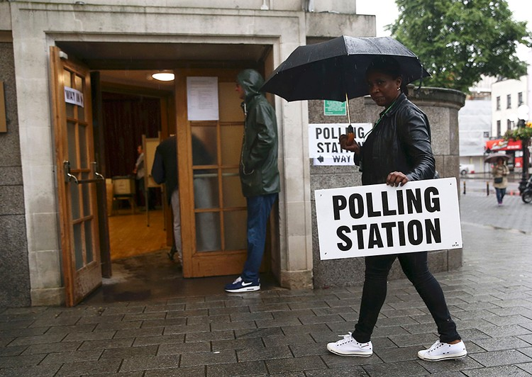 Британцы не спешат на избирательные участки голосовать