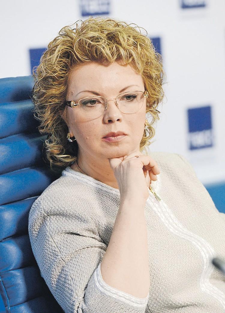 Писатель, главный редактор газеты «Культура» Елена Ямпольская. Фото: Николай ГАЛКИН/ТАСС