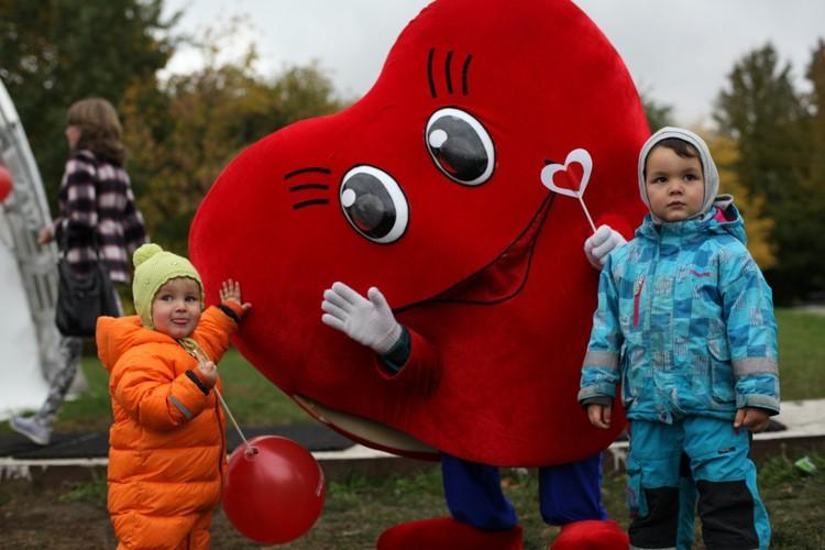 Каждый сможет сфотографироваться с большим сердцем - символом фестиваля