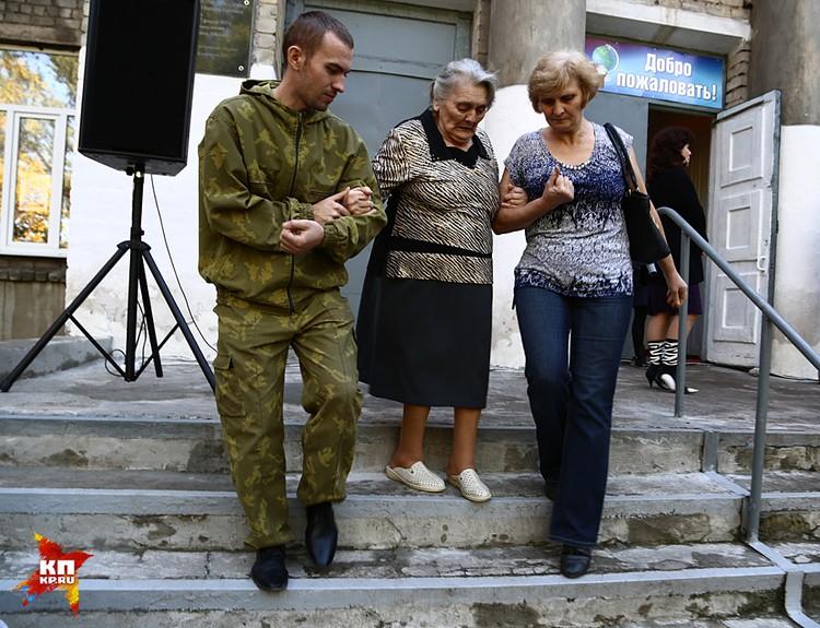 Донецк и Луганск демонстрируют возможность проведения выборов