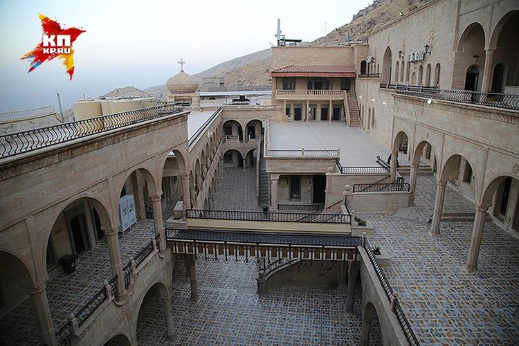 Монастырь Святого Матфея построен в 4-м веке.