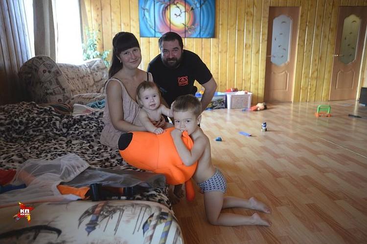 У Александра Городилова с женой Марией двое прекрасных детишек: Аня и Артем.