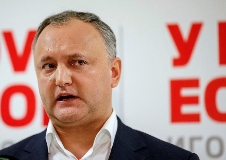 Если говорить о новом президенте Молдовы, то у него очень хорошие связи в российском парламенте