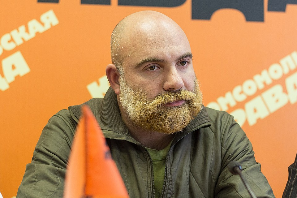 оппозиционер баженова фото бежевый оникс