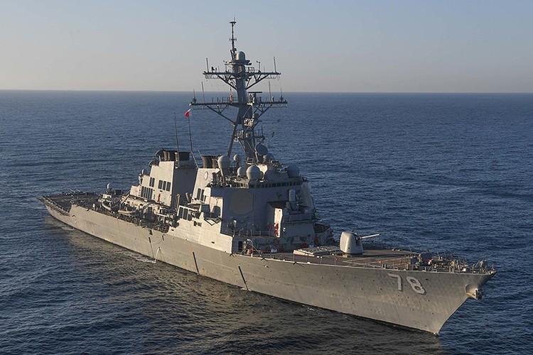"""Эсминец """"Porter"""", один из кораблей ВМФ США, совершивший пуски ракет по Сирии."""