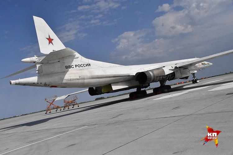 Ту-160 на земле.