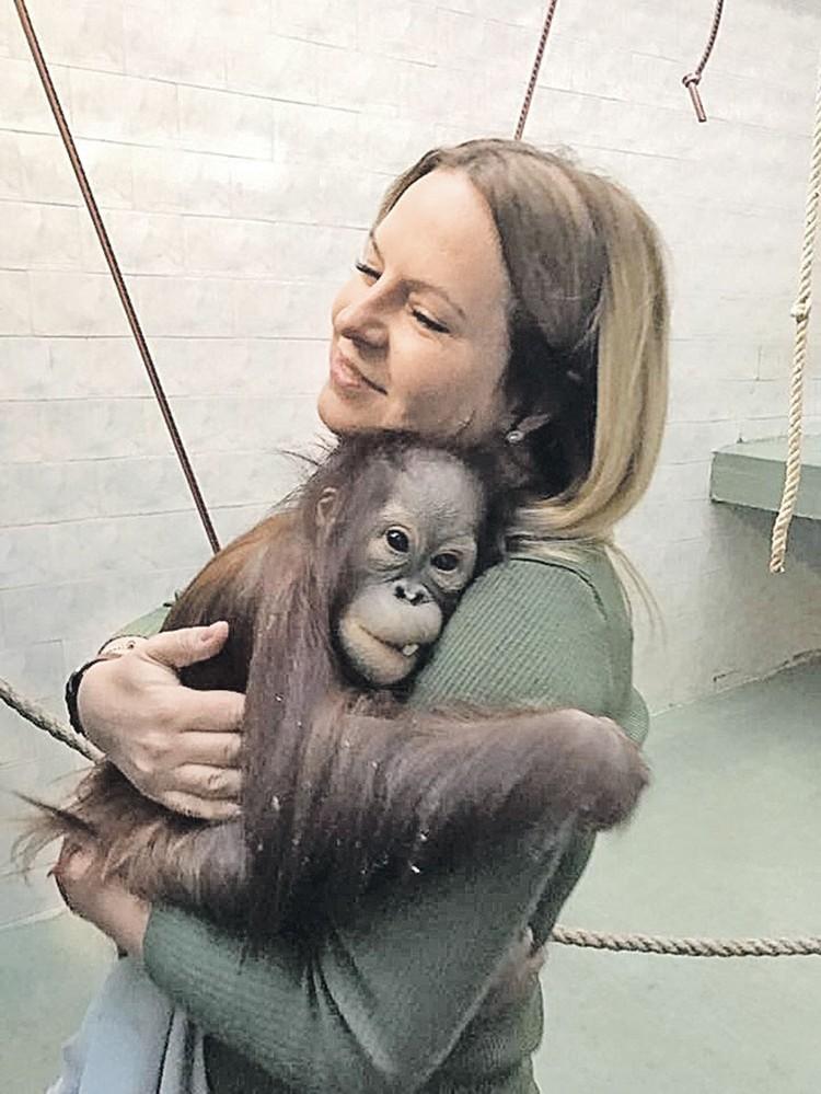 У директора зоопарка Светланы Акуловой с питомцами полная любовь и взаимопонимание. Фото: facebook.com