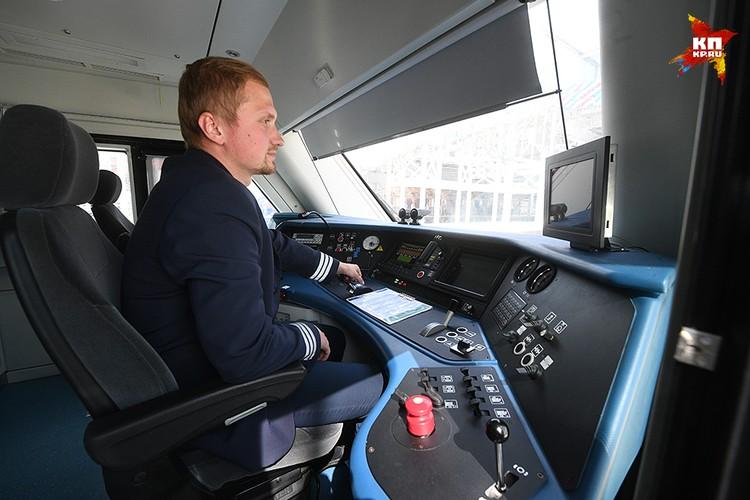 """Закупка поездов """"Иволга"""" является частью программы обновления подвижного состава пригородного железнодорожного сообщения"""