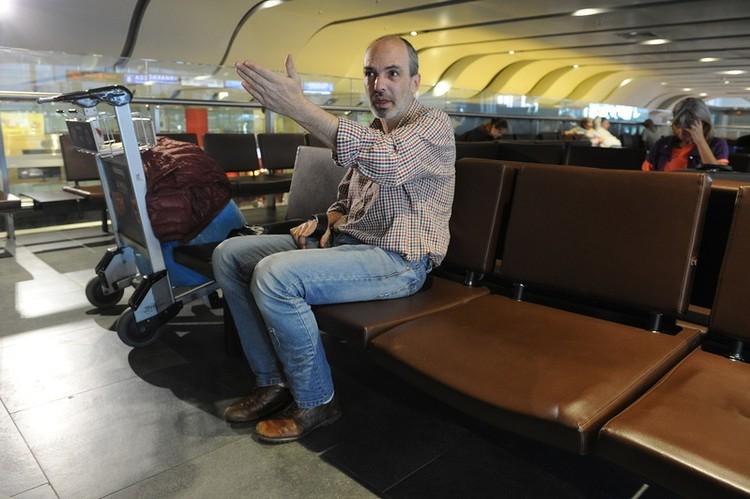 Во всех службах аэропорта Павел получал отказы