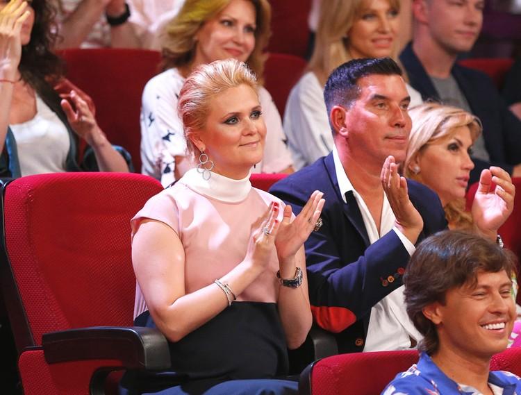 Наталья Шкулева пришла на первый эфир Андрея Малахова поддержать мужа.