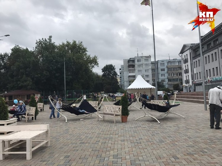 Гамаки на гастрономическом фестивале.