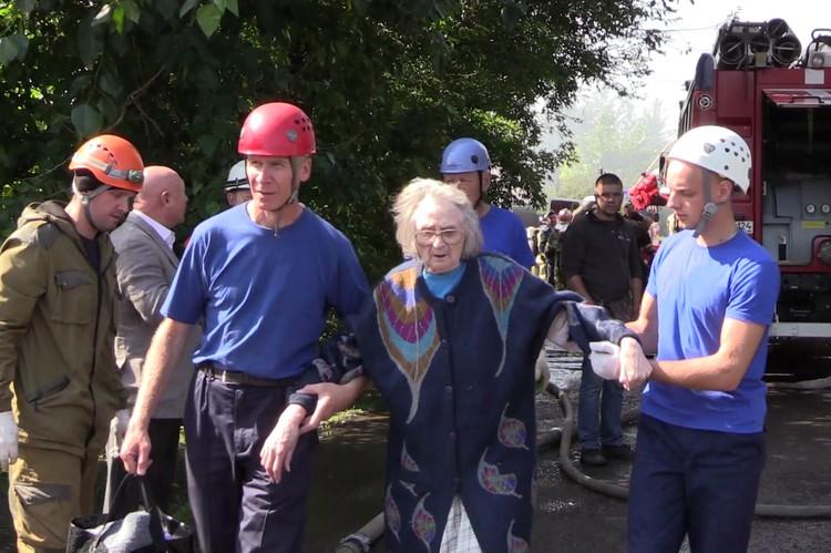 Часть людей отправили в муниципальные дома престарелых