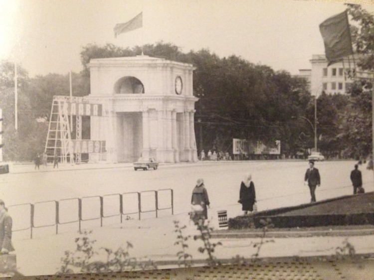 Фото из архива Олега Горшкова и Галины Бутучел-Килару.